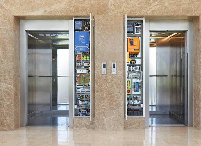 آسانسور روملس